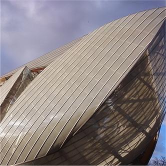 Čistenie fasády Louis Vuitton Fondation